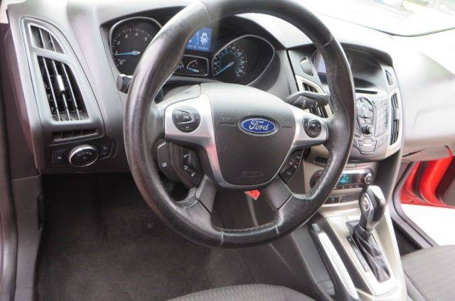 2012 Ford Focus SEL (image 13)