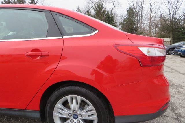 2012 Ford Focus SEL (image 35)