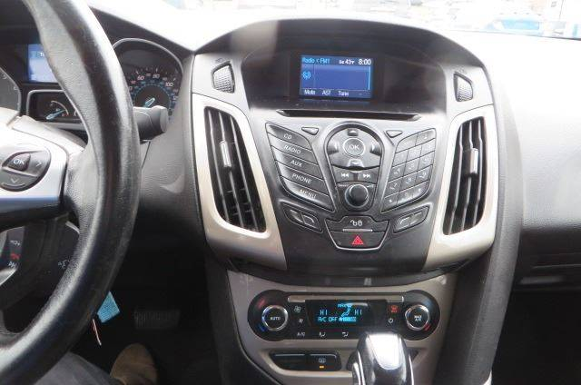 2012 Ford Focus SEL (image 54)