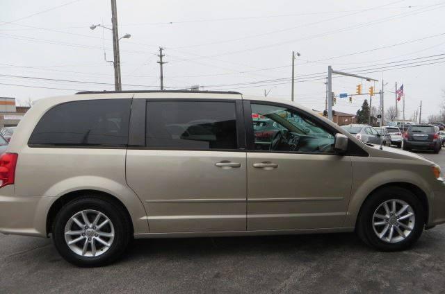 2014 Dodge Grand Caravan SXT (image 8)