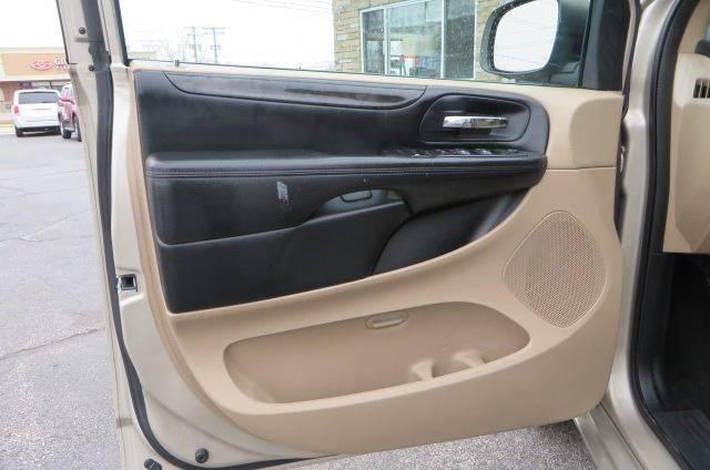 2014 Dodge Grand Caravan SXT (image 10)