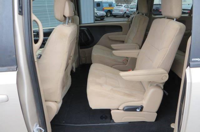 2014 Dodge Grand Caravan SXT (image 13)