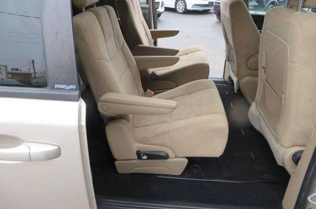 2014 Dodge Grand Caravan SXT (image 16)