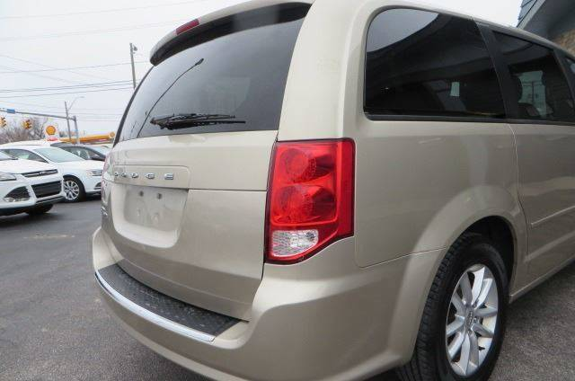 2014 Dodge Grand Caravan SXT (image 27)