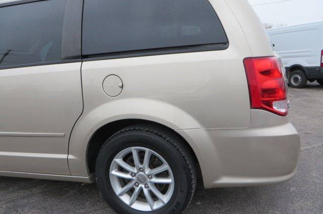 2014 Dodge Grand Caravan SXT (image 32)