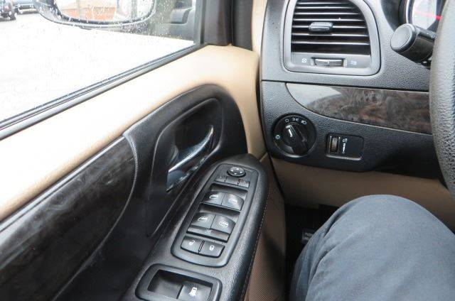 2014 Dodge Grand Caravan SXT (image 43)