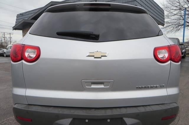 2012 Chevrolet Traverse LT (image 7)