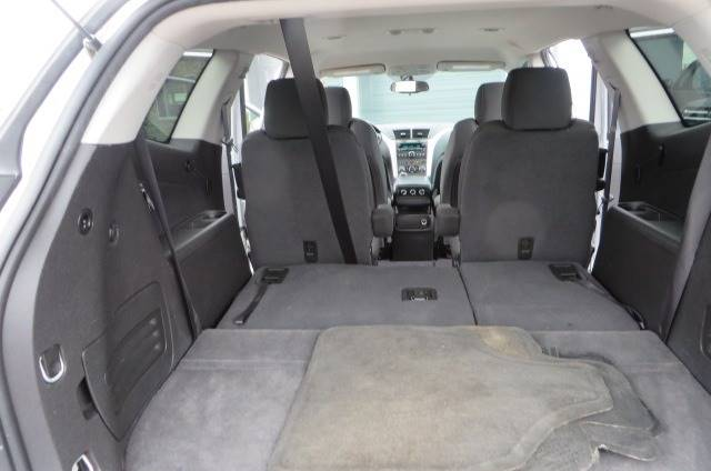 2012 Chevrolet Traverse LT (image 16)