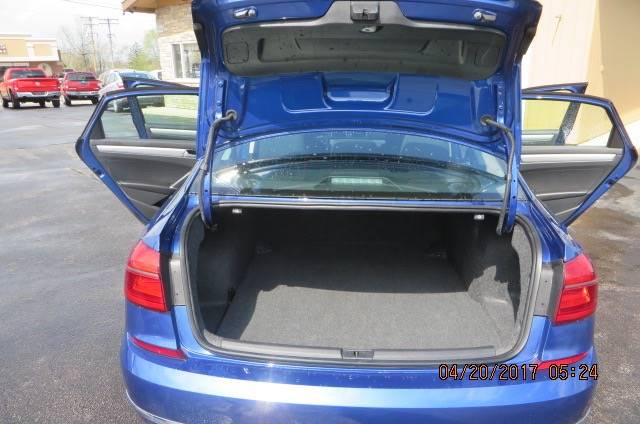2016 Volkswagen Passat 1.8T S PZEV 4dr Sedan - Willowick OH