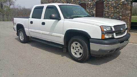 2005 Chevrolet Silverado 1500 for sale at Clarks Auto Sales in Connersville IN
