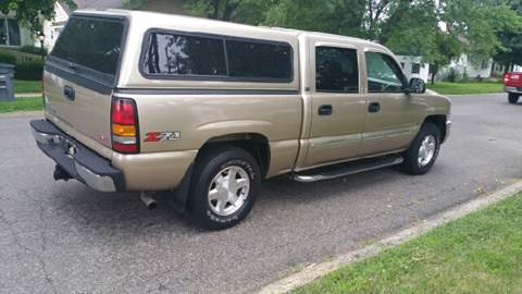 2004 GMC Sierra 1500 for sale at Clarks Auto Sales in Connersville IN
