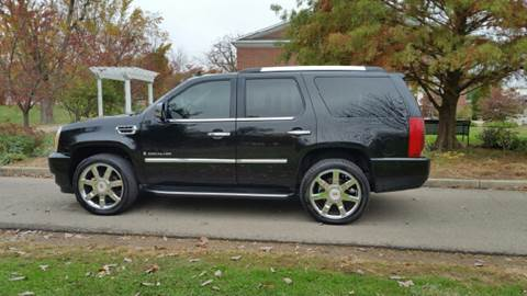 2007 Cadillac Escalade for sale at Clarks Auto Sales in Connersville IN