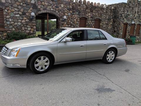 2006 Cadillac DTS for sale at Clarks Auto Sales in Connersville IN