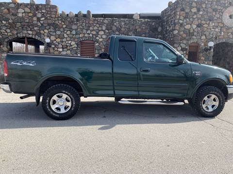 2003 Ford F-150 for sale at Clarks Auto Sales in Connersville IN