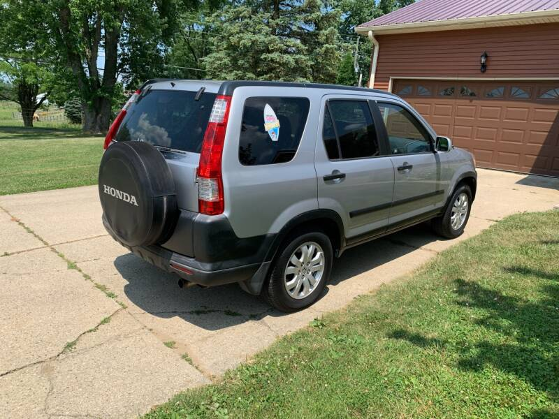 2005 Honda CR-V for sale at Clarks Auto Sales in Connersville IN
