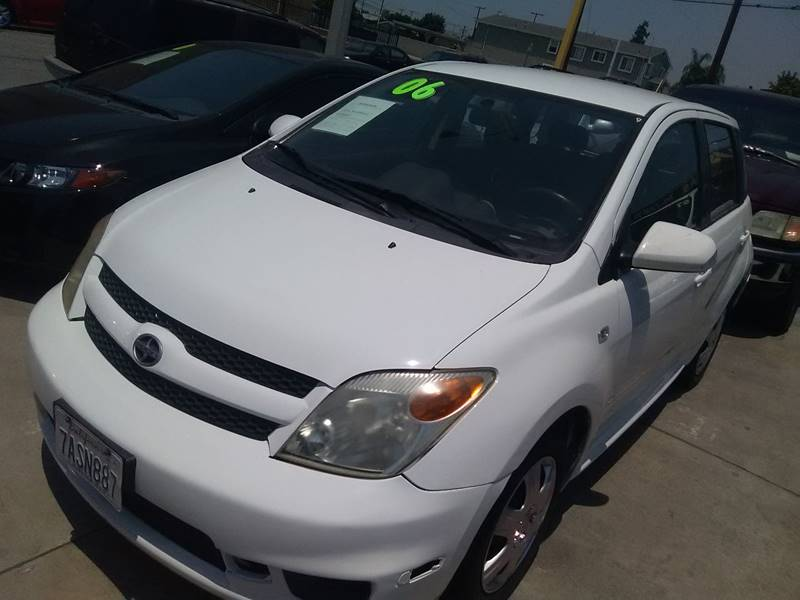 2006 Scion xA 4dr Hatchback w/Automatic - Los Angeles CA
