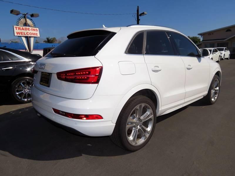 Audi Q3 Reviews - Audi Q3 Price, Photos, and Specs - Car and Driver