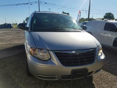 2006 Chrysler Town and Country for sale in Plain City, OH