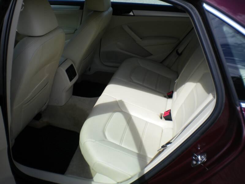 2013 Volkswagen Passat SE PZEV 4dr Sedan 6A w/ Sunroof - Barnesville OH