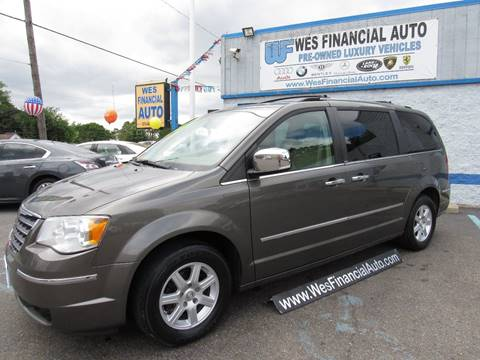 2010 Chrysler Town and Country for sale in Dearborn Heights, MI