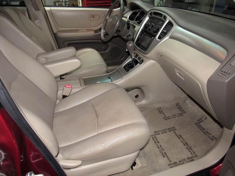Toyota Highlander In Dearborn Heights MI Wes Financial Auto - 2005 highlander