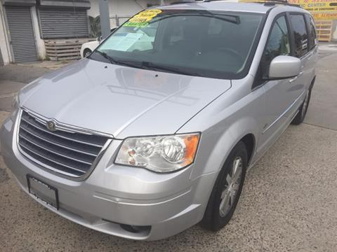 2009 Chrysler Town and Country for sale in Middle Village NY