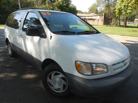 1999 Toyota Sienna for sale in Kansas City, MO