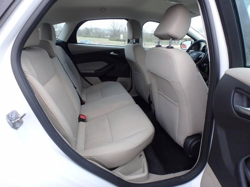 2015 Ford Focus SE 4dr Hatchback - Farmington MO