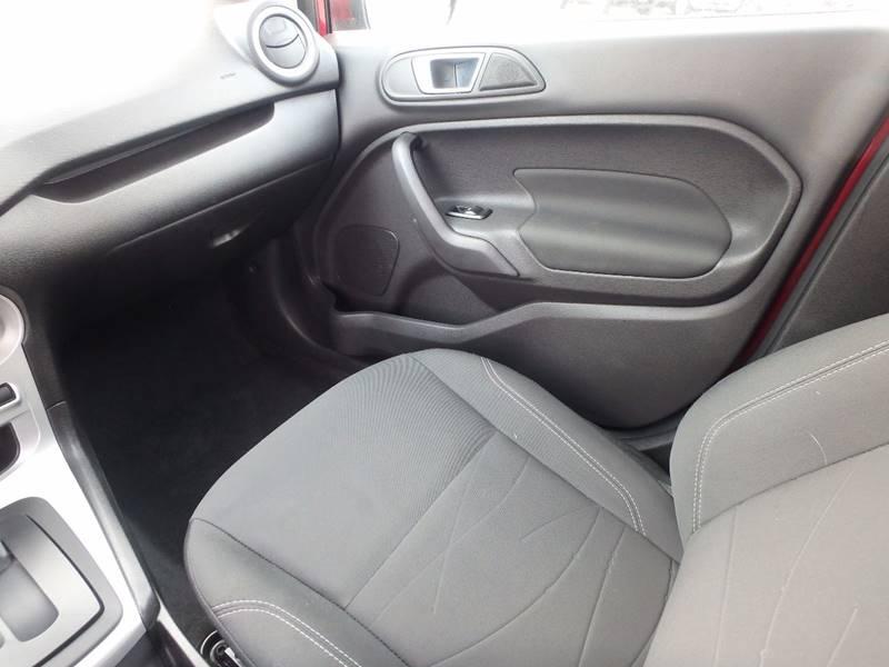 2016 Ford Fiesta SE 4dr Hatchback - Farmington MO