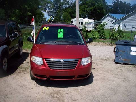 2006 Chrysler Town and Country for sale at Shaw Motor Sales in Kalkaska MI