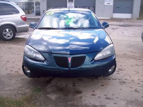 2005 Pontiac Grand Prix for sale at Shaw Motor Sales in Kalkaska MI