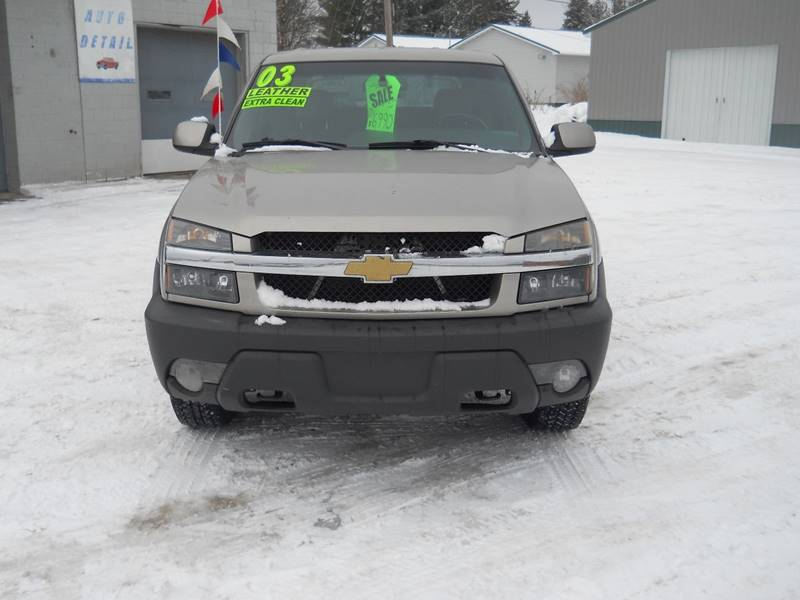 2003 Chevrolet Avalanche for sale at Shaw Motor Sales in Kalkaska MI