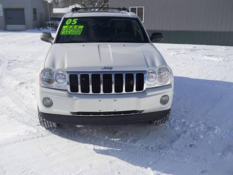2005 Jeep Grand Cherokee for sale at Shaw Motor Sales in Kalkaska MI