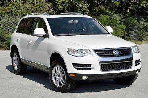 2009 Volkswagen Touareg 2 for sale at MIAMI IMPORTS in Miami FL