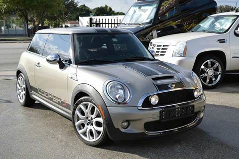 2009 MINI Cooper for sale at MIAMI IMPORTS in Miami FL