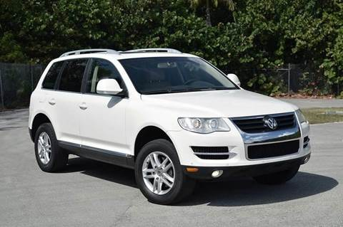 2008 Volkswagen Touareg 2 for sale at MIAMI IMPORTS in Miami FL