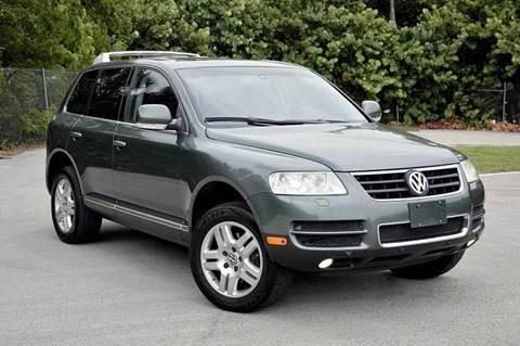 2004 Volkswagen Touareg for sale at MIAMI IMPORTS in Miami FL