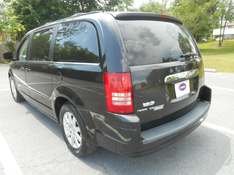 2008 Chrysler Town and Country for sale at Gasoline Alley Auto Sales in Winchester VA