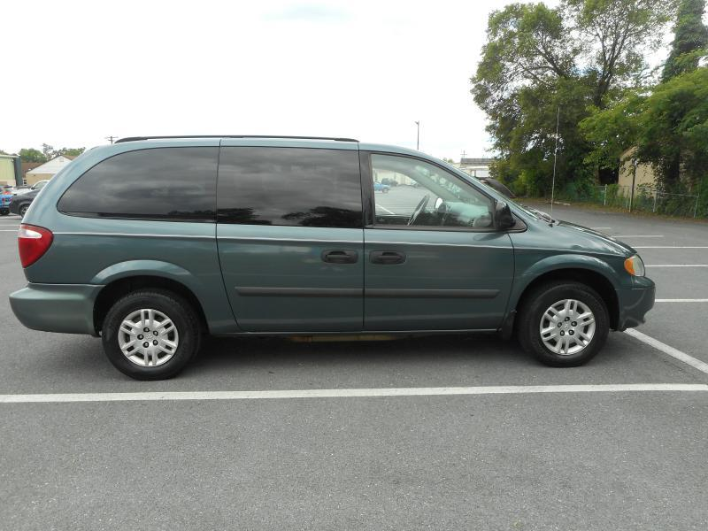 2006 Dodge Grand Caravan for sale at Gasoline Alley Auto Sales in Winchester VA