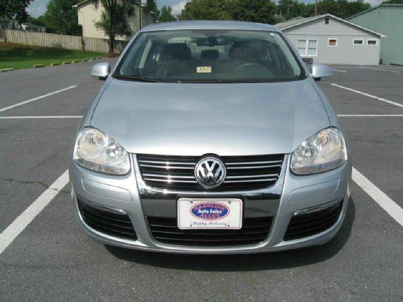 2005 Volkswagen Jetta for sale at Gasoline Alley Auto Sales in Winchester VA