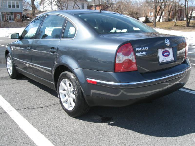 2004 Volkswagen Passat for sale at Gasoline Alley Auto Sales in Winchester VA