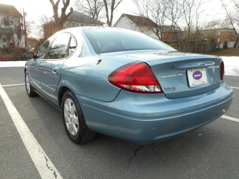 2005 Ford Taurus for sale at Gasoline Alley Auto Sales in Winchester VA