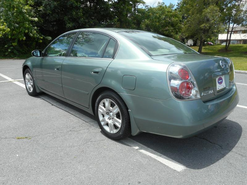 2005 Nissan Altima for sale at Gasoline Alley Auto Sales in Winchester VA