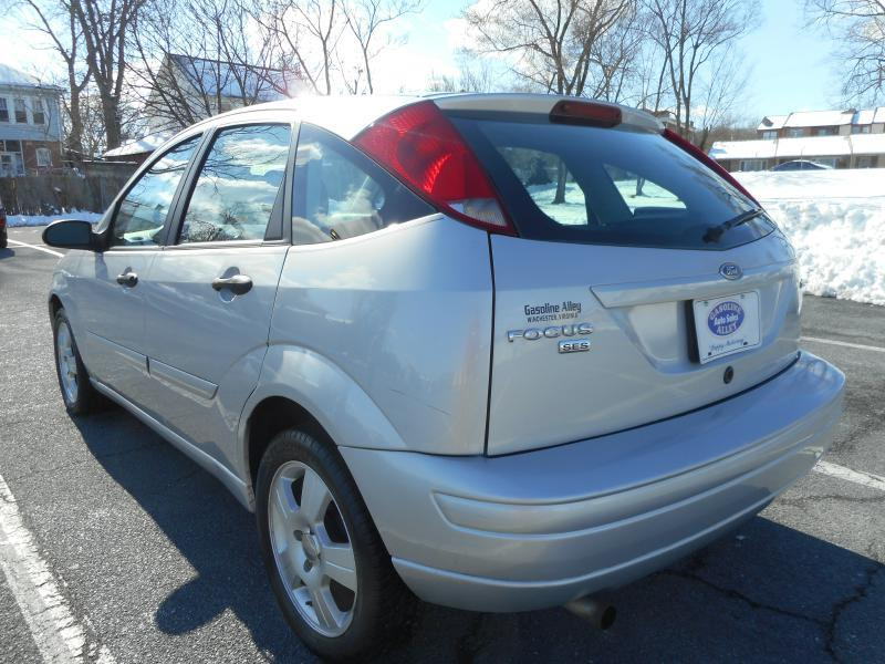 2005 Ford Focus for sale at Gasoline Alley Auto Sales in Winchester VA