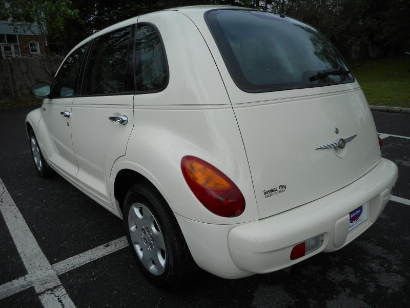 2005 Chrysler PT Cruiser for sale at Gasoline Alley Auto Sales in Winchester VA