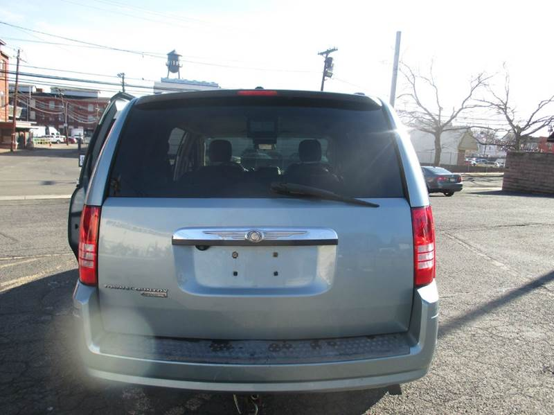 2008 Chrysler Town and Country Touring 4dr Mini Van - Passaic NJ