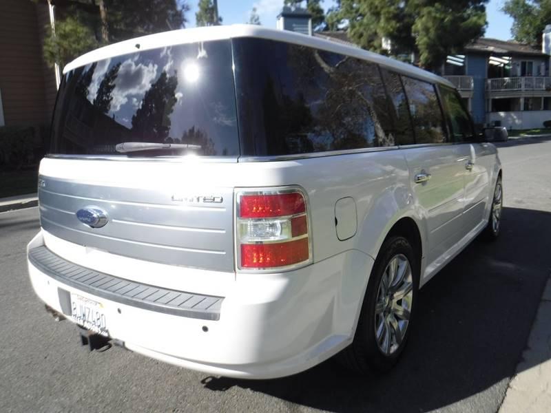2010 Ford Flex Limited (image 3)