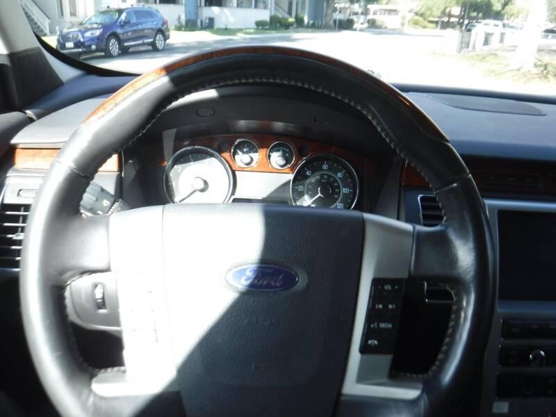 2010 Ford Flex Limited (image 6)