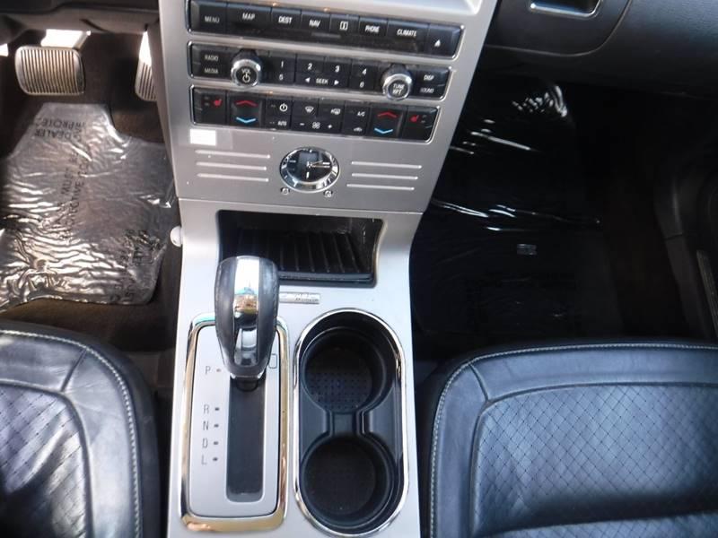 2010 Ford Flex Limited (image 8)