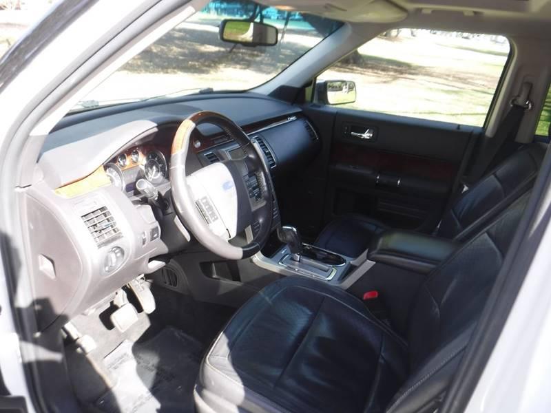2010 Ford Flex Limited (image 9)